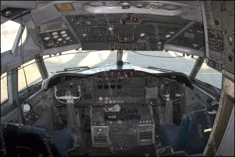 Lockheed L188 electra cockpit - GalleryNetwork