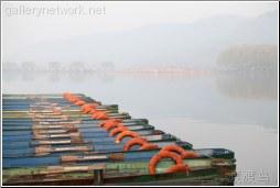 rowboats on lake - 渡渡鸟 .