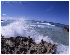 sharp rocks wave