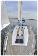 sailboat bow view
