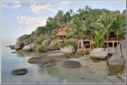 island bar and restaurant